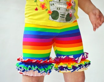 Girls Ruffle shorts in Rainbow Stripes