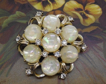 Signed CORO Glitter Moonglow Cabochon Brooch    MM24