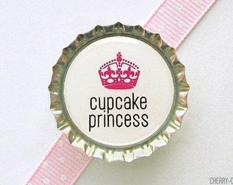 Cupcake Princess Bottle Cap Magnet, cupcake magnet, fridge magnet, cupcake baby shower favors, cupcake party favors, cupcake kitchen decor