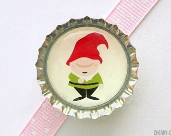 Garden Gnome Bottle Cap Magnet - woodland baby shower favor, woodland party theme, woodland gnome decor, gnome home decor, gnome kitchen