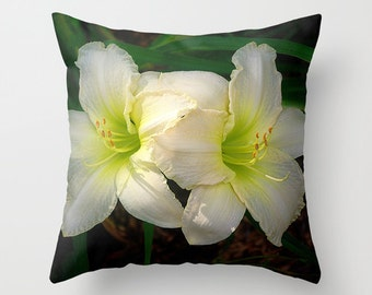 Daylily throw pillow cover, cream and green, all occasion gift, Hemerocallis flower, Indy Seductress, home decor, living room