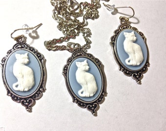 Siamese cat necklace and earrings