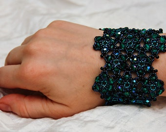 Star Lattice Bracelet in Emerald Green, Black, and Midnight Blue