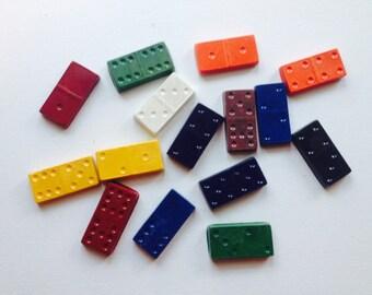 Domino crayons