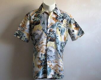 Vintage 1970s Men's Shirt Cream Pastel Hawaiian Landscape Shirt Medium