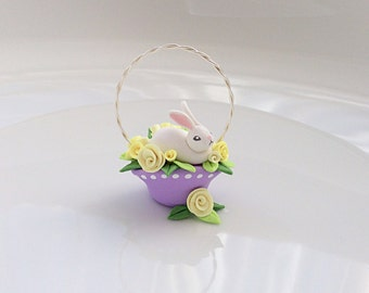 Miniature Easter bunny basket with yellow roses for 1:12 scale dollhouse handmade from polymer clay