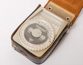 Vintage Photo Light Meter Leningrad -4. Exposure Meter. In original leather box.