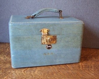 Vintage Mid Century Blue Train Case by Shortrip