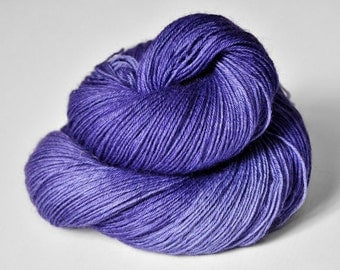 Periwinkle on its way to paradise  - BFL Sock Yarn Superwash - LSOH