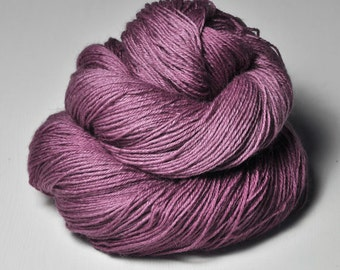 Withering bunch of roses - BFL Sock Yarn Superwash