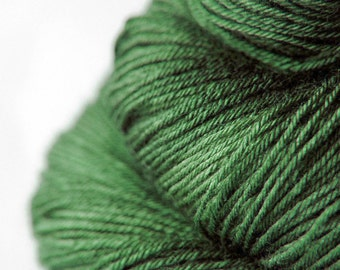 St. Patrick's day parade gone awry - Merino/Silk Fingering Yarn Superwash