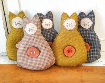 Primitive Cat Organic Lavender Sachet Vintage Wool