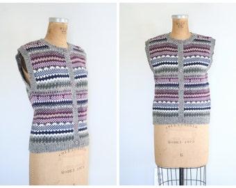 ladies 70s sweater vest . 1980s fair isle wool sweater vest -/ sleeveless button up - Tweedy Gray - preppy sweater / 80s campus style
