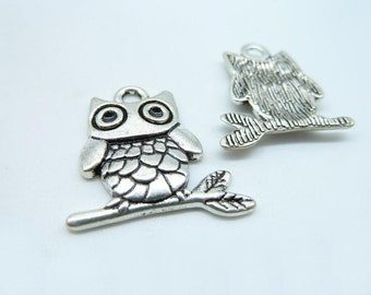 10pcs 21x23mm Antique Silver Owl Charm Pendant  C4222