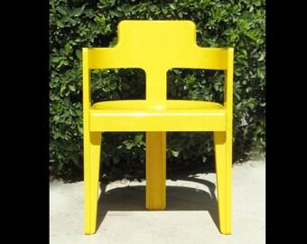 1960s-70s Rare MOD Plastic yellow Chair