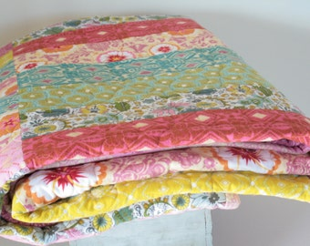 Flannel Quilt - Anna Maria Folksy Flannels, super soft and cozy modern quilt