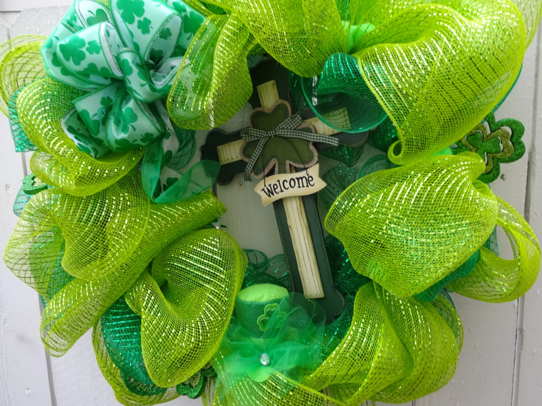 saint patrick 39 s day wreath clearance sale deco mesh. Black Bedroom Furniture Sets. Home Design Ideas