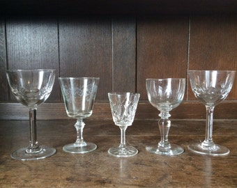 Vintage French collection of apéritif glasses circa 1950-60's / English Shop