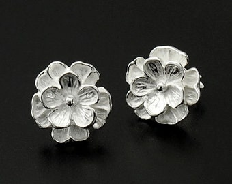 1 pair of 925 Sterling Silver Flower Stud Earrings 11mm.:er0778