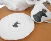 Gold Raven / Crow with Crown Tea Cup and Saucer, Bird Teacup, Bird Dishes, Raven Mug, Halloween Tea Plate, Goth Tea Plate / Cup