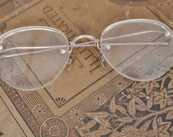 Antique Wire Rim Glasses With Hard Hinged Case, Gold Trim, 1940's-1950's