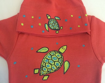 Sea Turtle Salmon pink Organic cotton baby clothes set, hand painted with fabric paint, fun baby gift, baby shower gift sea turtle