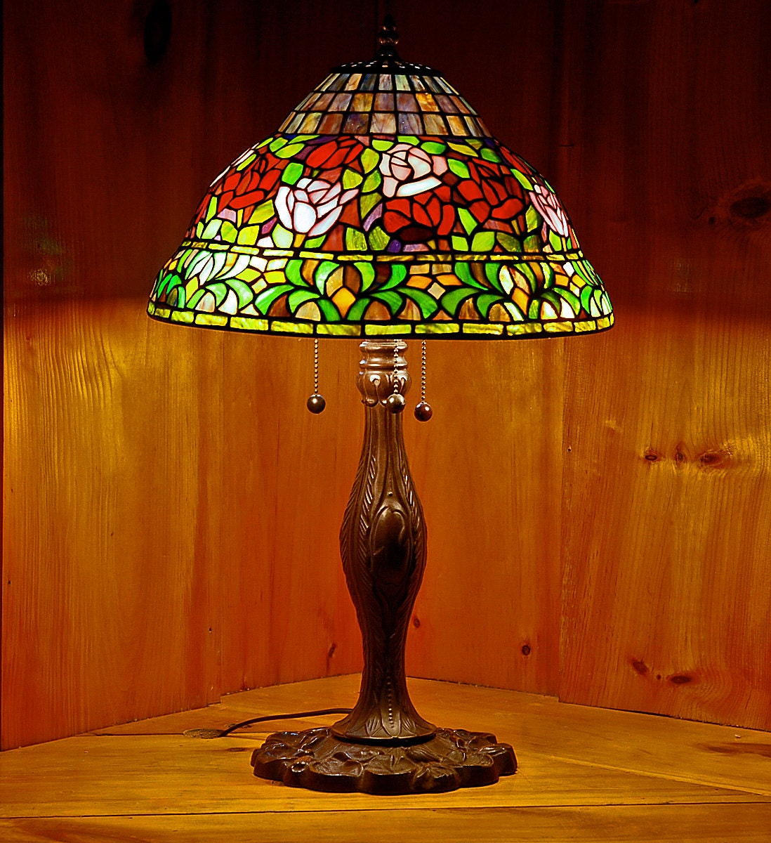 15 rose bell top stained glass lamp shade by hiddengalleryart. Black Bedroom Furniture Sets. Home Design Ideas