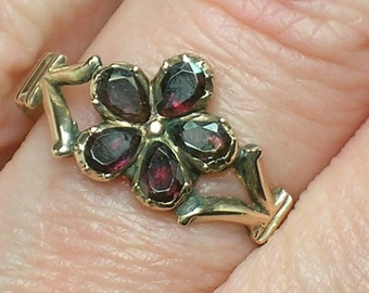 Antique Ring: Georgian Garnet Pansy, Regency era, c1820. Size 6