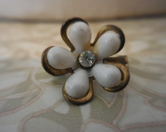 Vintage 1950s Small Scatter Pin White Flower With Rhinestone Tiny Little Plastic