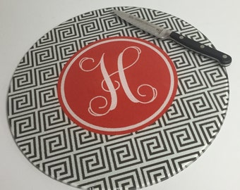 CLEARANCE SALE - Custom Cutting Board - Round Glass Cutting Board - Monogrammed Cutting Board - Wedding Gift - Hostess Gift