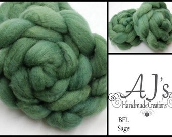 Sage BFL Blue Faced Leicester Spinning Fiber Combed Top Roving Wool Felting Green