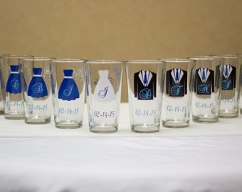 6 Wedding party pint glasses, Personalized Bride, Bridesmaids and Groom, Groomsmen Set of 6. Royal ice blue. Bridal Party glasses, Best Man