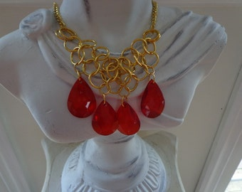 Red Jeweled Chainmaille Necklace and Earring Set in Gold Tone