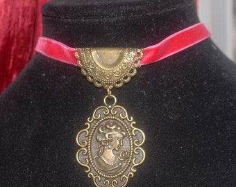 Red Velvet Antique Gold Picture Necklace