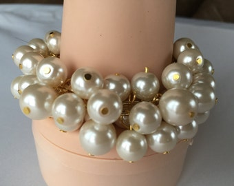 Chunky Ivory Pearl bracelet on gold chain- bridesmaid jewelry, wedding jewelry