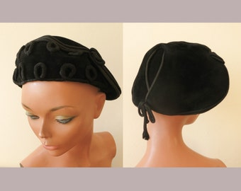 vintage 1950s black wool felt cocktail hat cap headpiece cord deco 50s women clothing accessoires