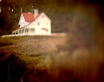 Photograph of Heceta Head Light Keeper's House, Yachats Oregon, Central Oregon Coast