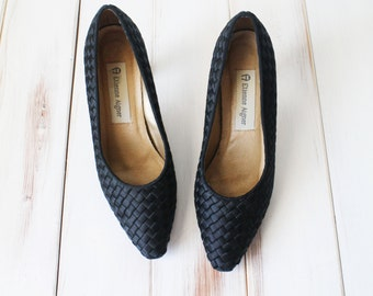 SIZE 6 1/2 M Vintage 80s Etienne Aigner Black Woven Pumps Leather Soles