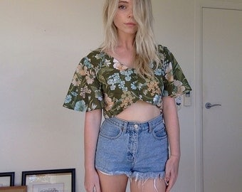 Vintage 60s Floral Flared Sleeve Crop Top