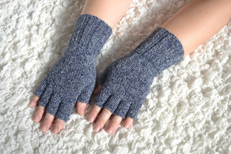 Free Knitting Patterns For Half Finger Gloves : Hand-knitted half finger gloves