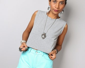 Short Grey Top / Sleeveless Light Grey Top / Grey Tank Top : Urban Chic Collection No.34