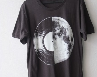 Half Moon Record Album Graphic Music Printed T Shirt S or M