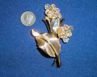 Vintage Cut Crystal Glass Flower Brooch 1960's Pin Jewelry 2189