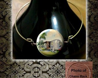 AIRSTREAM Trailer Vintage image Brass wire Bangle Bracelet with Charm n Rhinestone