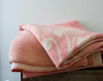 Orr Health Mauve Pink Wool Throw Blanket Bohemian Vintage Pastel