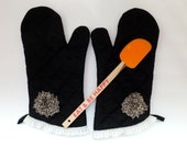 Black and Leopard Oven Mitt Set,  Insulated Hot Pad, Barbeque Mitts, Wild Crow Farm's Elegant Farmhouse Kitchen
