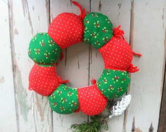 Retro Reversible Christmas Wreath - Puffy Vintage Red + Green Fabric Holiday Wall Art or Door Art, Mid Century Cloth Wreath, Holiday Decor