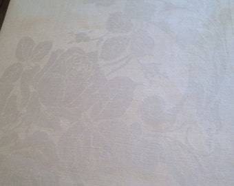 Vintage White Roses Damask Tablecloth, 66 x 70