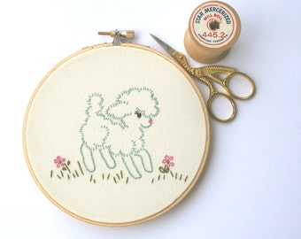 Pastel spring hand embroidered vintage style lamb / hoop art / baby gift / retro embroidery hoop / wall decor