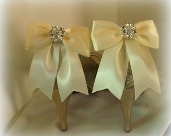 Wedding Bridal Shoe Clips - set of 2 - with sparkling rhinestones, Bridal Shoe Clips, Many colors to choose from